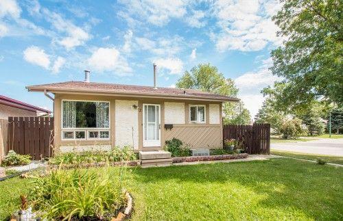 Main Photo: 2 Nolin Avenue in Winnipeg: Richmond Lakes Single Family Detached for sale (1Q)