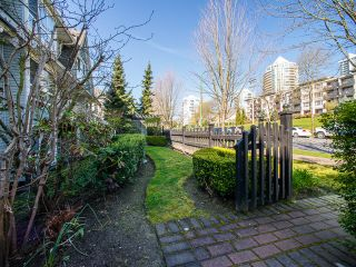 Photo 3: 6788 BERESFORD Street in Burnaby: Highgate Townhouse for sale (Burnaby South)  : MLS®# R2053840