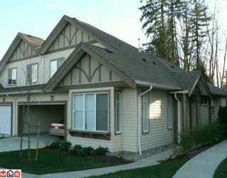 """Photo 1: 12 15868 85TH Avenue in Surrey: Fleetwood Tynehead Townhouse for sale in """"CHESTNUT GROVE"""" : MLS®# F2927924"""