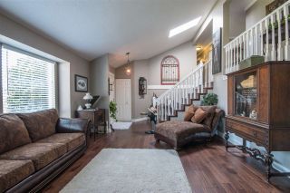 "Photo 3: 36029 VILLAGE Knoll in Abbotsford: Abbotsford East House for sale in ""Mountain Village"" : MLS®# R2062189"