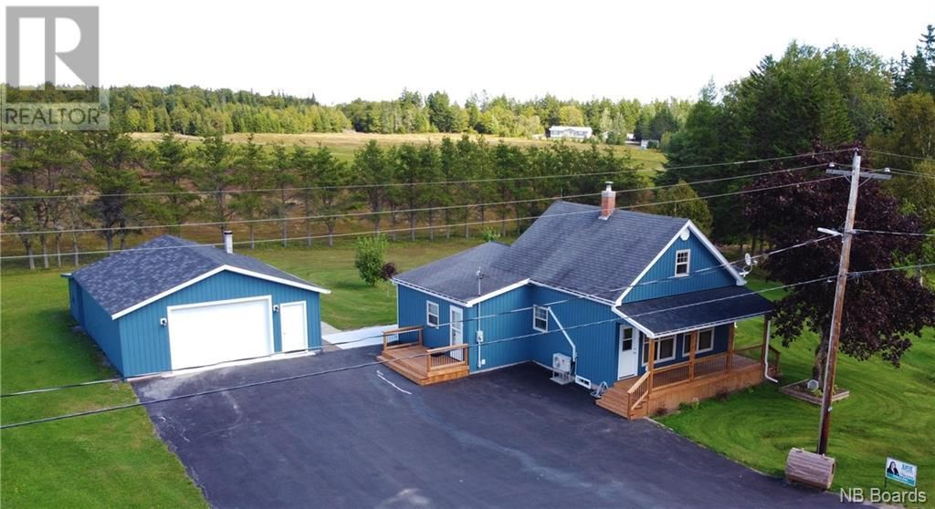 Main Photo: 69 Young Road in Pennfield: House for sale : MLS®# NB063159