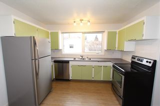 Photo 10: 1112 NINGA Road NW in Calgary: North Haven Semi Detached for sale : MLS®# C4222139