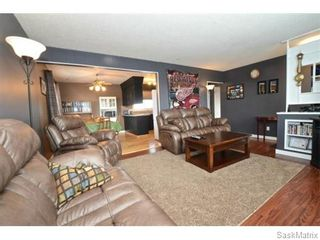Photo 5: 4910 SHERWOOD Drive in Regina: Regent Park Single Family Dwelling for sale (Regina Area 02)  : MLS®# 565264