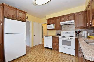 Photo 8: 3323 NAPIER Street in Vancouver: Renfrew VE House for sale (Vancouver East)  : MLS®# R2109951