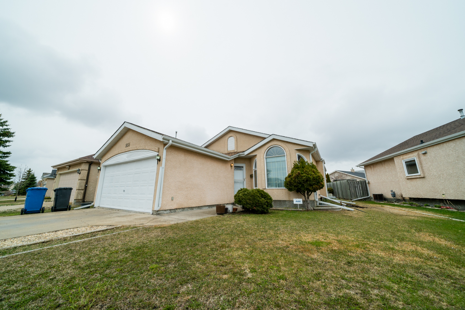 Main Photo: 555 Bairdmore Boulevard | Richmond West Winnipeg