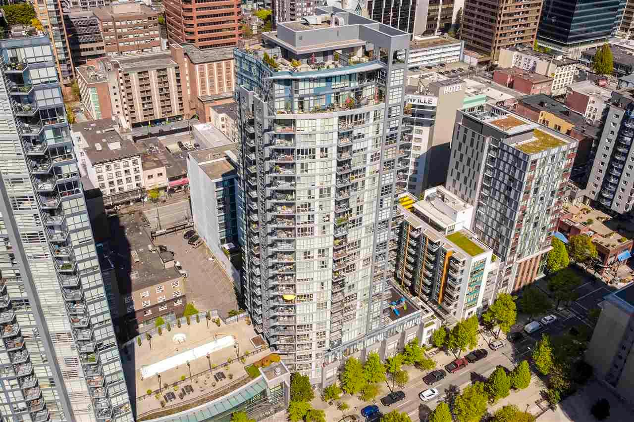 "Main Photo: PH2703 1155 SEYMOUR Street in Vancouver: Downtown VW Condo for sale in ""The Brava"" (Vancouver West)  : MLS®# R2571488"