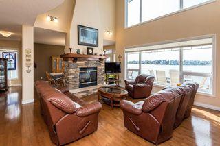 Photo 2: 1518 88A Street in Edmonton: Zone 53 House for sale : MLS®# E4216110