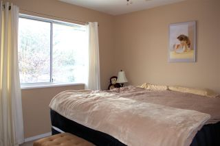 """Photo 7: 40 2023 WINFIELD Drive in Abbotsford: Abbotsford East Townhouse for sale in """"Meadowview Estates"""" : MLS®# R2141929"""
