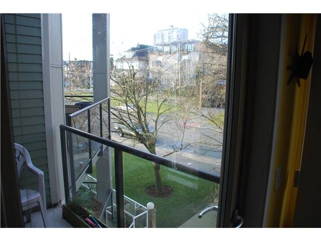 Photo 7: Photos: 404 210 CARNARVON Street in New Westminster: Downtown NW Condo for sale : MLS®# V924567
