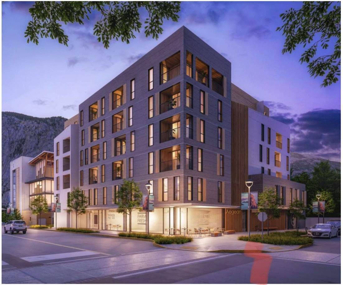 Main Photo: 202 1360 VICTORIA Street in Squamish: Downtown SQ Retail for sale : MLS®# C8037078