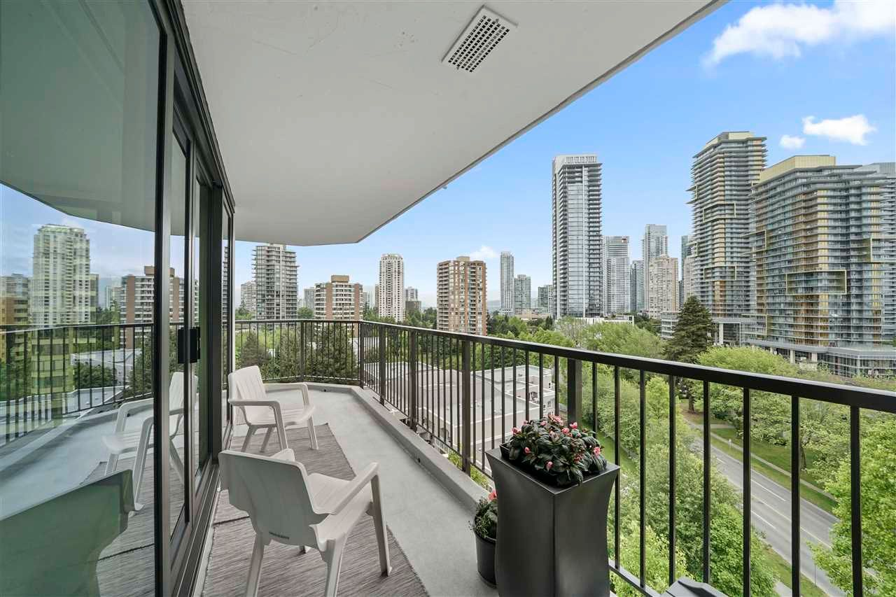 """Main Photo: 1104 6455 WILLINGDON Avenue in Burnaby: Metrotown Condo for sale in """"PARKSIDE MANOR"""" (Burnaby South)  : MLS®# R2589629"""