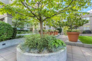 "Photo 20: 808 969 RICHARDS Street in Vancouver: Downtown VW Condo for sale in ""MONDRIAN II"" (Vancouver West)  : MLS®# R2332263"