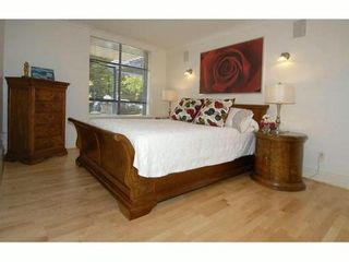 "Photo 2: # 101 1725 BALSAM ST in Vancouver: Kitsilano Condo for sale in ""BALSAM HOUSE"" (Vancouver West)  : MLS®# V968732"