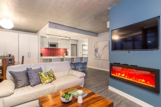 """Photo 6: 2503 128 W CORDOVA Street in Vancouver: Downtown VW Condo for sale in """"WOODWARDS W43"""" (Vancouver West)  : MLS®# R2506650"""