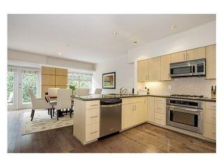 Photo 3: 38 3750 EDGEMONT Blvd in Capilano Highlands: Home for sale : MLS®# V999418