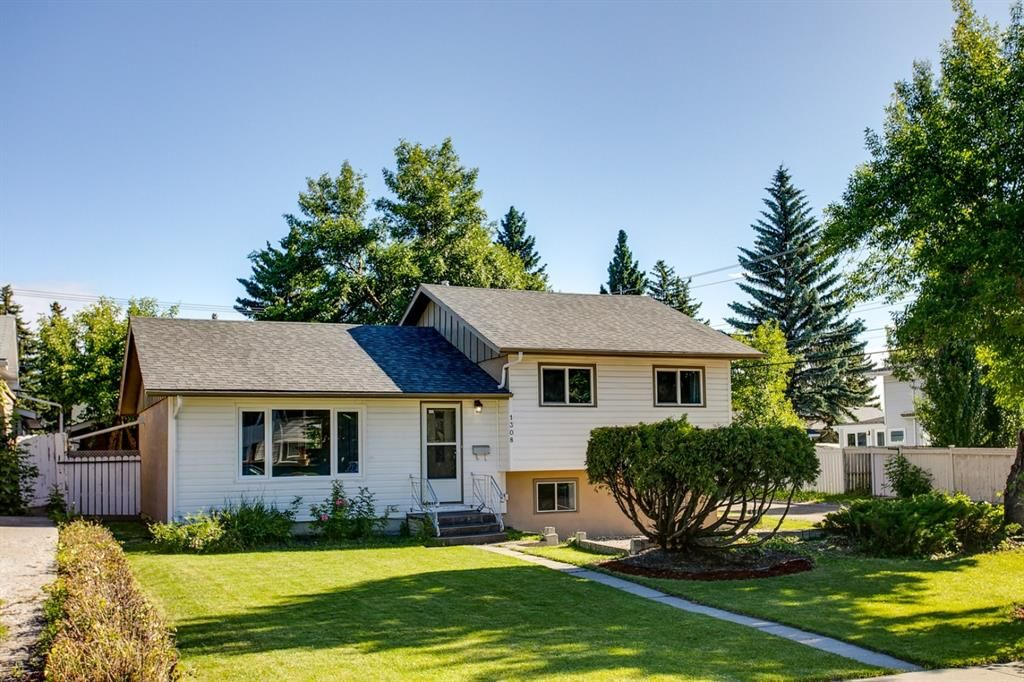 Main Photo: 1308 107 Avenue SW in Calgary: Southwood Detached for sale : MLS®# A1013669