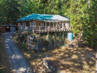 Photo 1: 4347 Clam Bay Rd in Pender Island: GI Pender Island House for sale (Gulf Islands)  : MLS®# 885964
