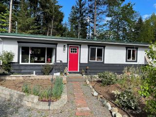 Photo 2: 4678 Reinhard Pl in : CV Courtenay East House for sale (Comox Valley)  : MLS®# 874594