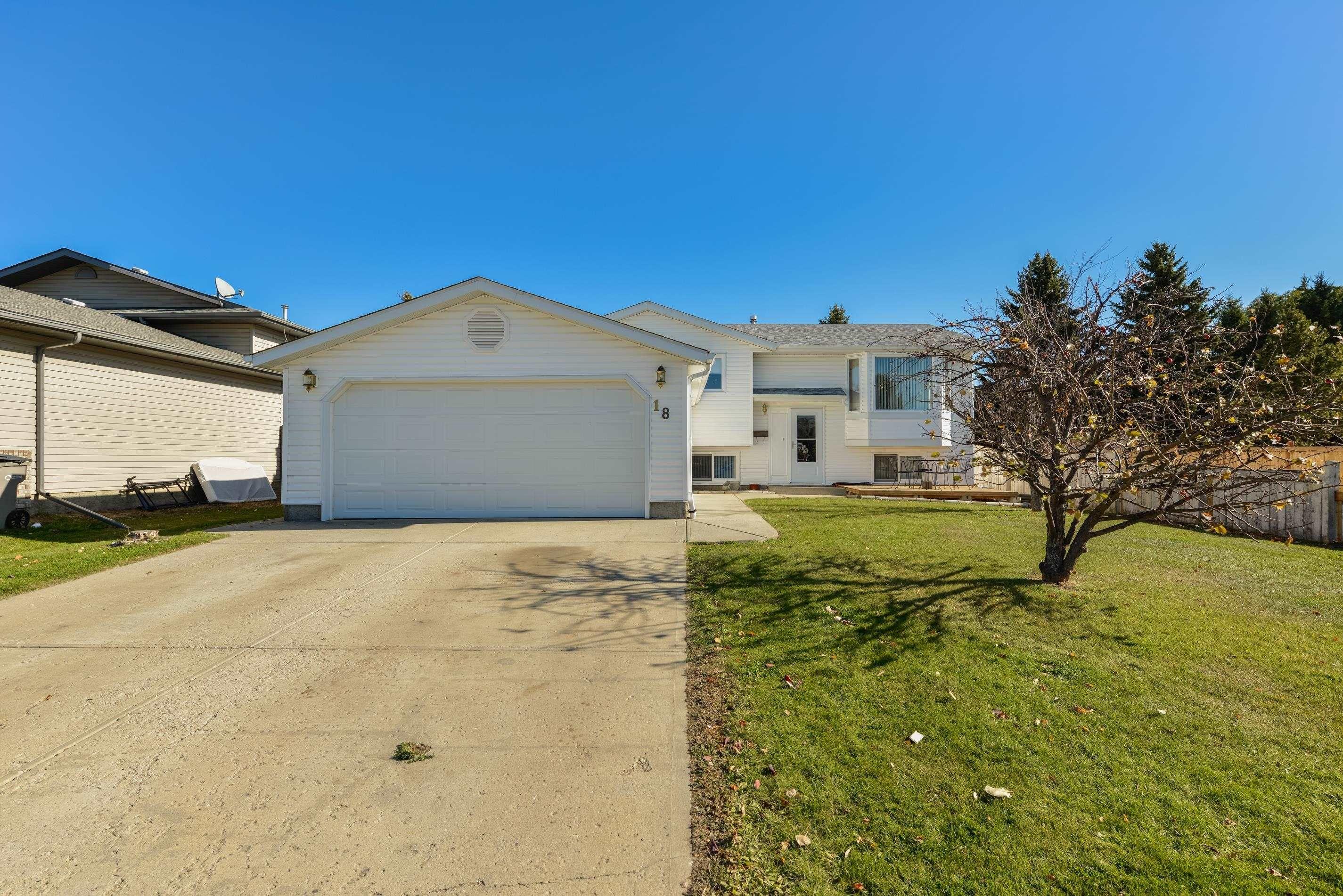 Main Photo: 18 HERITAGE Crescent: Stony Plain House for sale : MLS®# E4266517