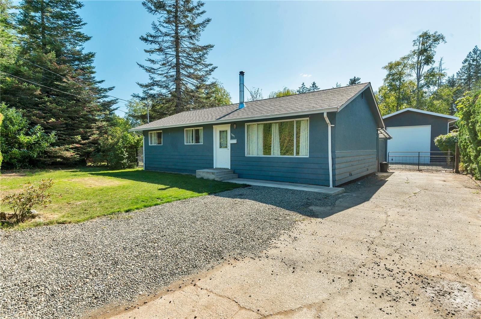 Main Photo: 1841 Garfield Rd in : CR Campbell River North House for sale (Campbell River)  : MLS®# 886631