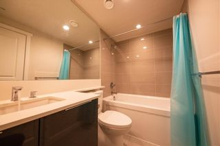 "Photo 7: 1705 3100 WINDSOR Gate in Coquitlam: New Horizons Condo for sale in ""THE LLOYD"" : MLS®# R2475305"
