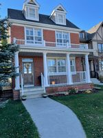 Main Photo: 37 Tom Hoppe Mews SW in Calgary: Garrison Green Detached for sale : MLS®# A1155284
