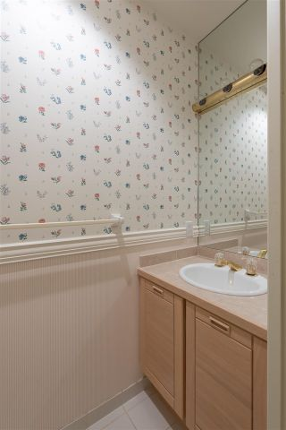 """Photo 35: 2378 FOLKESTONE Way in West Vancouver: Panorama Village Townhouse for sale in """"Westpointe"""" : MLS®# R2572658"""