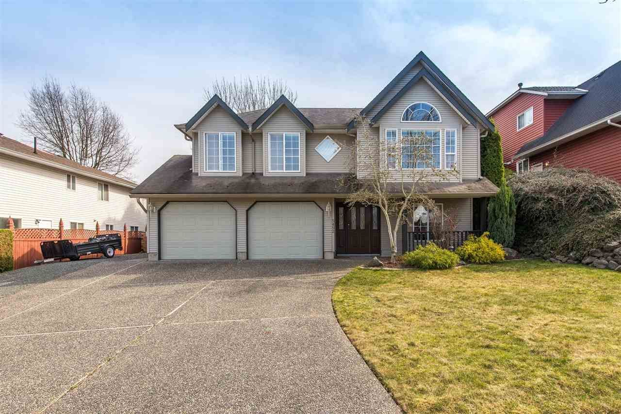 Main Photo: 5452 HIGHROAD CRESCENT in Sardis: Promontory House for sale : MLS®# R2351720