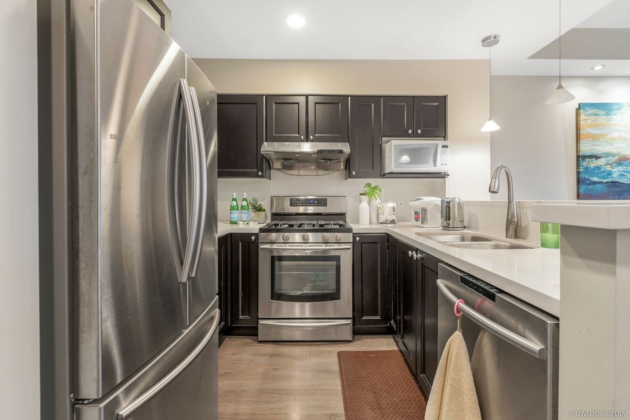 """Main Photo: 333 5790 EAST BOULEVARD in Vancouver: Kerrisdale Townhouse for sale in """"THE LAUREATES"""" (Vancouver West)  : MLS®# R2377203"""