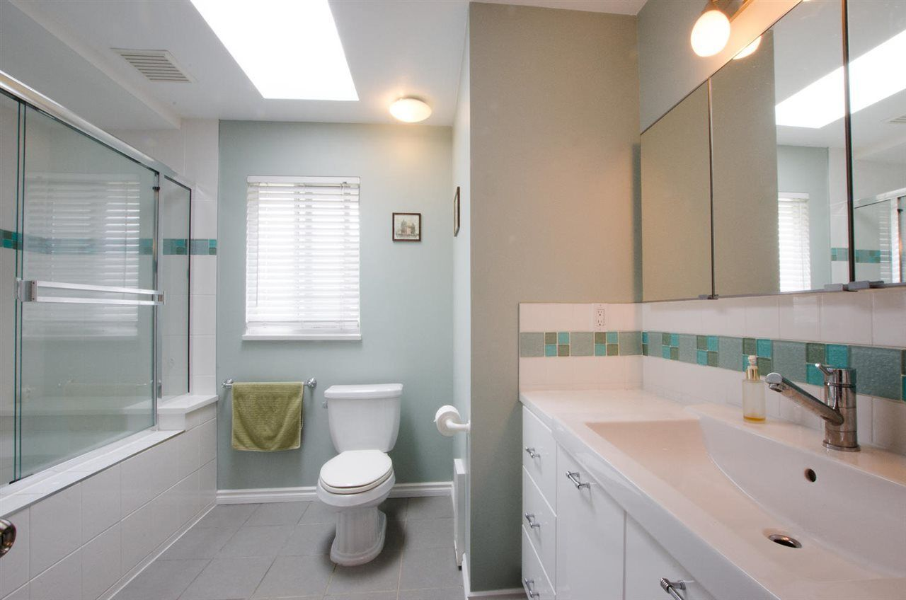 """Photo 15: Photos: 6159 45 Avenue in Delta: Holly House for sale in """"Sunrise"""" (Ladner)  : MLS®# R2284913"""