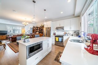 """Photo 9: 1 15717 MOUNTAIN VIEW Drive in Surrey: Grandview Surrey Townhouse for sale in """"Olivia"""" (South Surrey White Rock)  : MLS®# R2610838"""