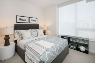 """Photo 13: 910 111 E 1ST Avenue in Vancouver: Mount Pleasant VE Condo for sale in """"Block 100"""" (Vancouver East)  : MLS®# R2125894"""