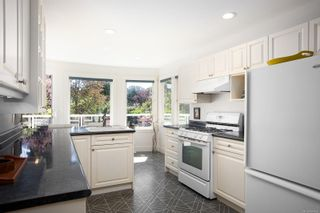 Photo 7: 1859 Monteith St in : OB North Oak Bay House for sale (Oak Bay)  : MLS®# 854936