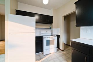 Photo 11: 51 Holland Street NW in Calgary: Highwood Semi Detached for sale : MLS®# A1131163