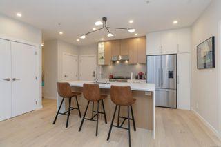 Photo 8: 303 2285 Bowker Ave in : OB Estevan Condo for sale (Oak Bay)  : MLS®# 879325