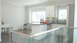 Photo 4: 4531 VICTORIA DRIVE in Vancouver: Victoria VE 1/2 Duplex for sale (Vancouver East)  : MLS®# R2330139