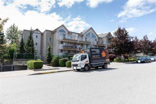Photo 5: 407 33478 ROBERTS AVENUE in Abbotsford: Central Abbotsford Condo for sale : MLS®# R2478807