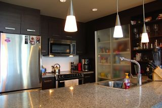 """Photo 4: 505 2959 GLEN Drive in Coquitlam: North Coquitlam Condo for sale in """"THE PARC"""" : MLS®# R2102710"""