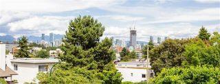 """Photo 8: 301 2028 W 3RD Avenue in Vancouver: Kitsilano Condo for sale in """"KITSILANO STEAMBOAT"""" (Vancouver West)  : MLS®# R2547761"""