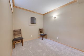 Photo 39: 227 LINDSAY Crescent in Edmonton: Zone 14 House for sale : MLS®# E4265520