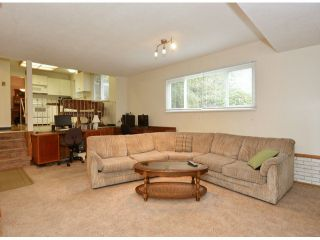 """Photo 10: 15909 GOGGS Avenue: White Rock House for sale in """"White Rock"""" (South Surrey White Rock)  : MLS®# F1424836"""