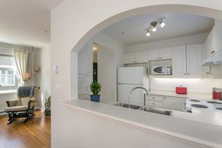"Photo 7: 206 2588 ALDER Street in Vancouver: Fairview VW Condo for sale in ""BOLLERT PLACE"" (Vancouver West)  : MLS®# R2072024"