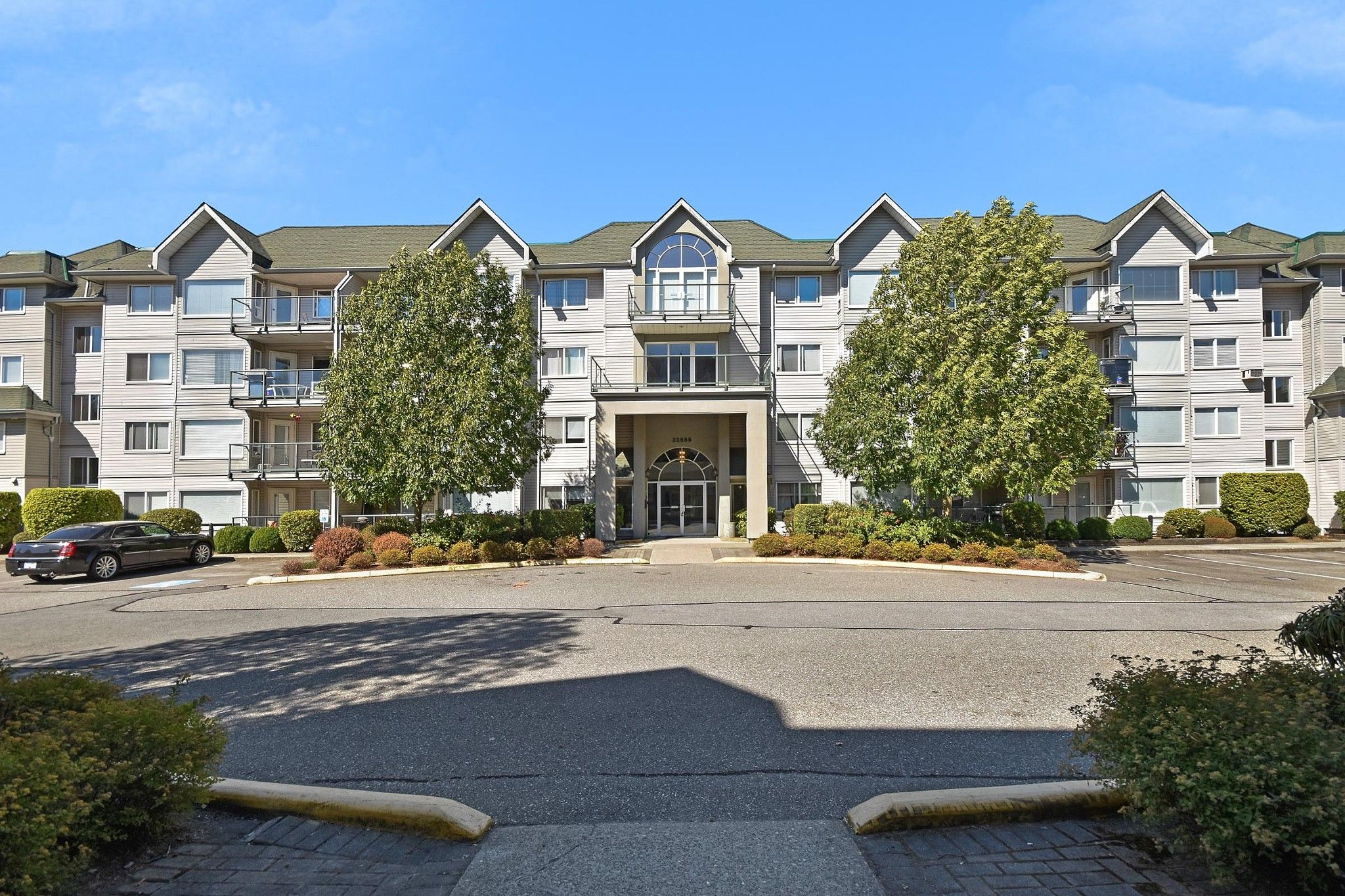 """Main Photo: 311 33688 KING Road in Abbotsford: Poplar Condo for sale in """"College Park"""" : MLS®# R2609750"""