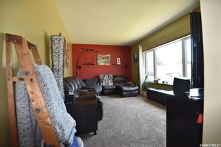 Photo 9: 300 Maple Road East in Nipawin: Residential for sale : MLS®# SK861172