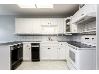 """Photo 2: 8 33922 KING Road in Abbotsford: Poplar Townhouse for sale in """"Kingsview Estates"""" : MLS®# R2358712"""