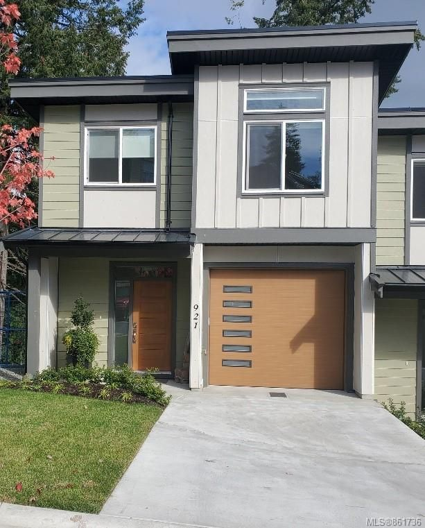 Main Photo: 921 Echo Valley Pl in : La Langford Proper Row/Townhouse for sale (Langford)  : MLS®# 861736