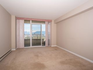 """Photo 11: 1707 6070 MCMURRAY Avenue in Burnaby: Forest Glen BS Condo for sale in """"LA MIRAGE"""" (Burnaby South)  : MLS®# R2443753"""