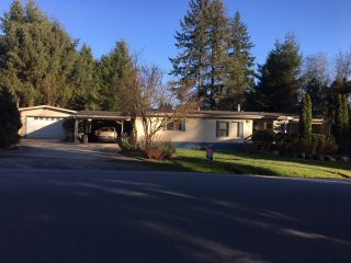 Photo 1: 1606 YMCA Road in Gibsons: Gibsons & Area House for sale (Sunshine Coast)  : MLS®# R2449220