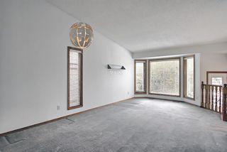 Photo 9: 1328 48 Avenue NW in Calgary: North Haven Detached for sale : MLS®# A1103760