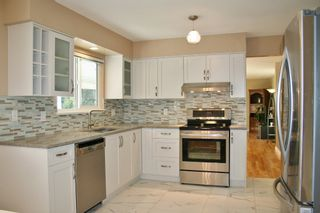 """Photo 7: 2824 ST. JAMES Street in Port Coquitlam: Glenwood PQ House for sale in """"Imperial Park"""" : MLS®# R2116938"""